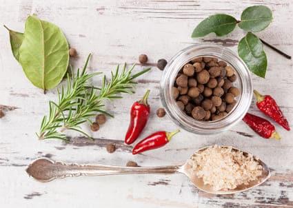 4 υλικά που θα απογειώσουν  τα καθημερινά σου γεύματα