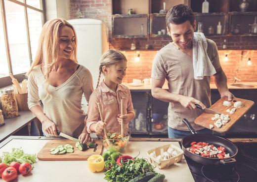 Το μυστικό για να μη μυρίζει το σπίτι μετά το τηγάνισμα