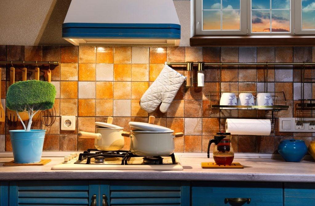 Διατηρείστε την κουζίνα σας πεντακάθαρη ακόμη κι όταν μαγειρεύετε