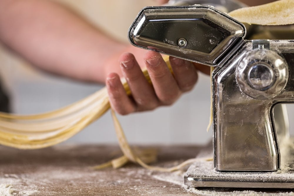 Ποια τα οφέλη μιας μηχανής παρασκευής ζυμαρικών;
