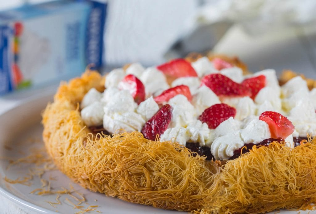 Cheesecake με κανταΐφι & και μαρμελάδα
